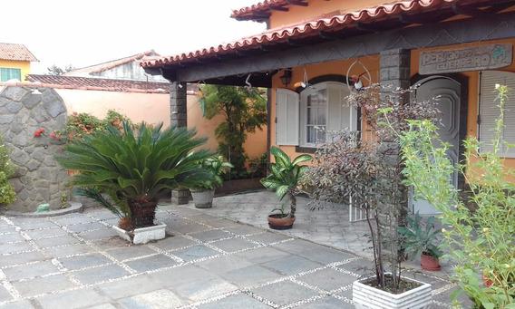 Casa Estilo Colonial Muito Bem Conservada