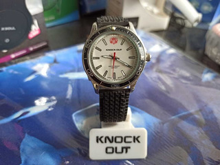 Reloj Knock Out