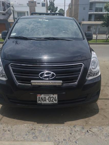Hyundai Van H1 12 Pasajeros Negro Polarizado