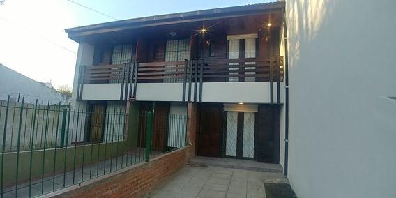 Duplex 3 Ambientes Con Balcòn Saliente Y Techo De Tejas