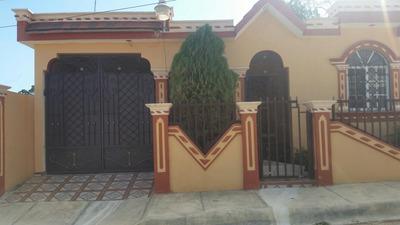 Una Casa Y Dos Mejoras De Apartamentos Con Titulo Deslidado