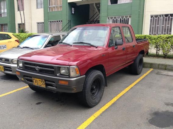 Camioneta Toyota Hilux Rn 85 De Gasolina Y Gas