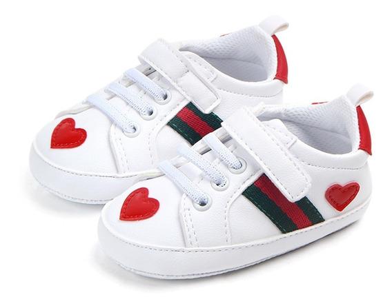 Tenis Para Bebe Niñas Blancos Con Corazones Rojos, Velcro