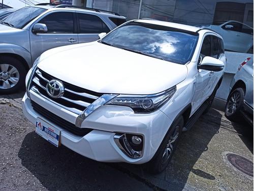 Toyota Fortuner 2.7 Srv