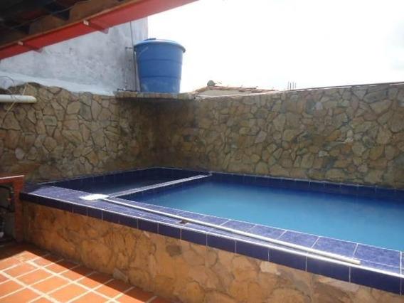 Casas En Venta En El Paraiso, Cabudare. Rahco:19-5012