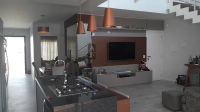 Casa A Venda No Bairro Centro Em Garopaba - Sc. - Kv523-1