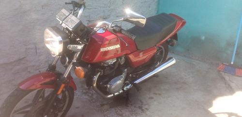 Imagem 1 de 9 de Honda Cb