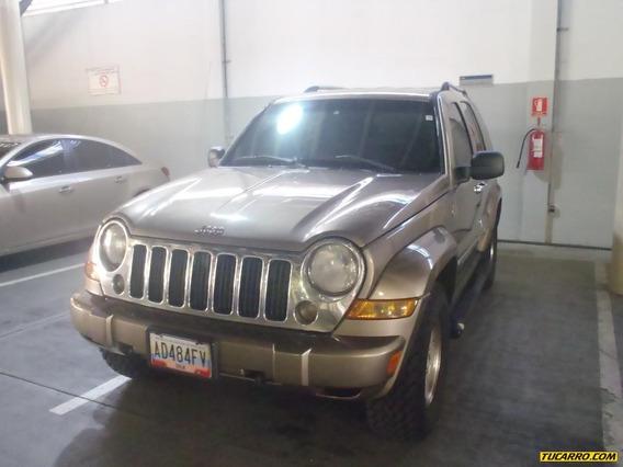 Jeep Cherokee Liberty -automatico