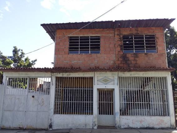Casa En Venta, Urb Romulo Gallegos, 04243745301