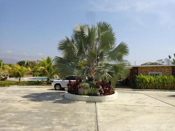 Casa En Venta Safari Country Club Carabobo 20-8391 Lal