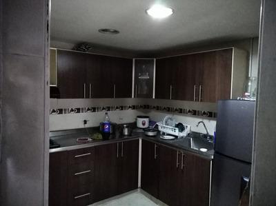Casa De Tres Habitaciones Con Patio Cosina Integral Primero