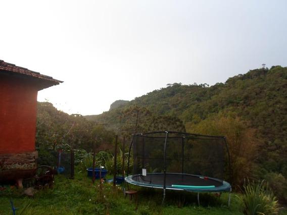 Sítio Com Cachoeiras, 150000 M² Por R$ 250.000 - Zona Rural - Aiuruoca/mg - Ch0076