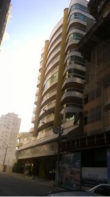 Apartamento Com 04 Dormitórios - 975