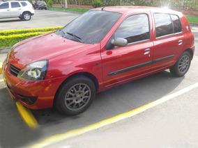 Excelente Renault Clio - Hard Rock