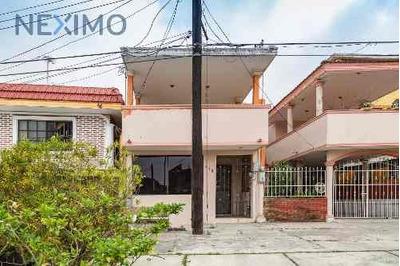 Casa A La Venta En Col. Arenal, Tampico