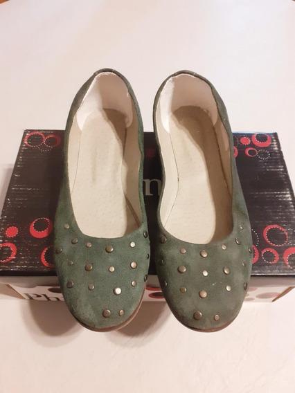 Zapatos Chatitas Mujer Gamuza Verde Oscuro.