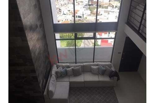 Hermoso Departamento Doble Altura Y Excelente Vista A La Ciudad , Lomas Del Tec, San Luis Potosi $25,000.00