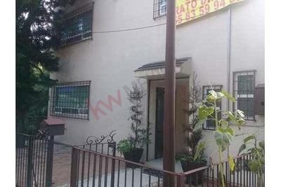 Casa Esplendida En Venta, Con 2 Niveles