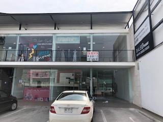 Local Comercial En Av. Paseo De Los Leones