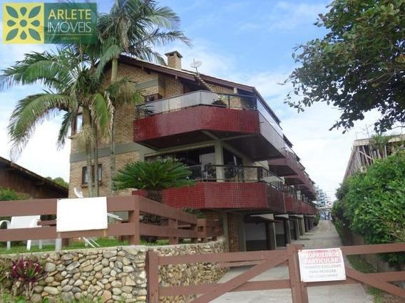 Apartamento No Bairro Centro Em Bombinhas Sc - 364