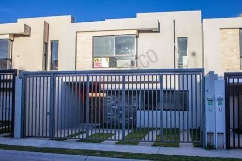 Casa A Estrenar Con Estudio En Villa Magna $2,720,000.00