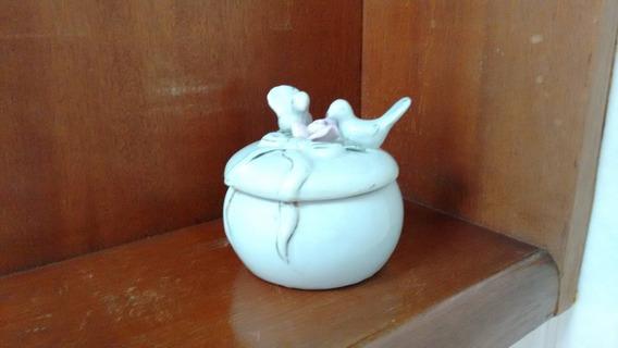 Porta Jóias Em Porcelana Com Par De Pombinhos Na Tampa