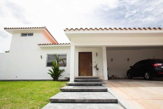 Casa En Venta Guaparo Valencia Carabobo 20-1348 Prr