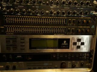 Behringer 8024 Ecualizador Digital Antiacople+ Mic Medición