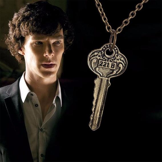 Colar Série Sherlock Holmes Chave Prata 221 B