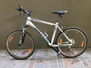 Giant Revel 3 Talle L Blanca Casi Sin Uso Bicicleta