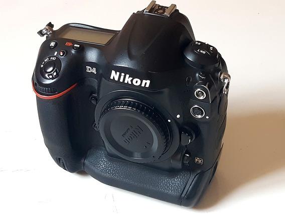 Máquina Nikon D4
