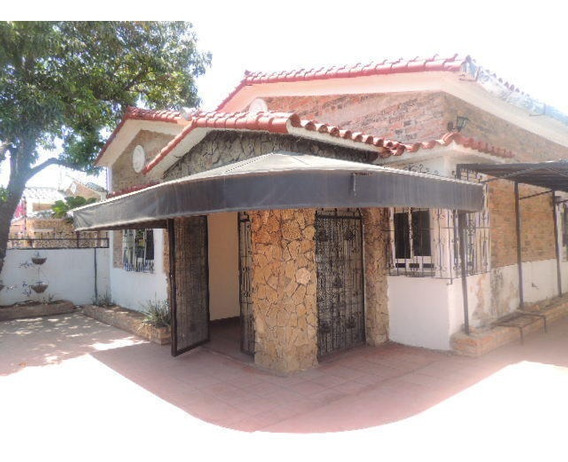 Casa Comercial En Alquiler. Tierra Negra. Mls 20-18687. Adl.