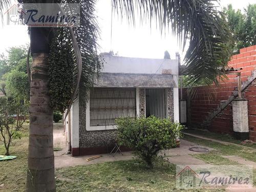 Casa 2 Amb. Sobre Av. Principal - La Reja, Moreno