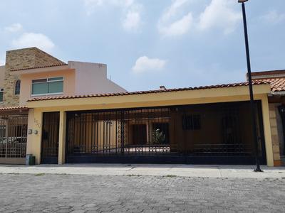 Excelente Casa En Fraccionamiento Claustros Del Parque