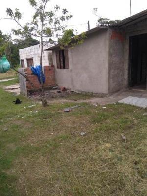 Casa No Bairro Sítio Velho, Em Itanhaém, Ref. C0586 L C