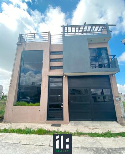 Imagen 1 de 14 de Casa En Venta Villas Universidad, 4 Recámaras, 4.5 Baños