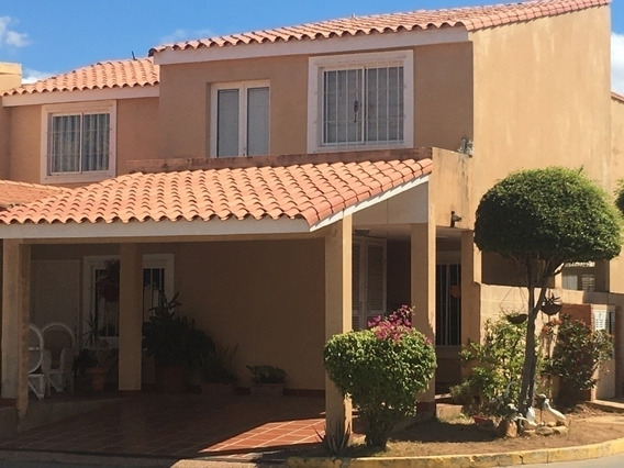 Villa Cerrada Alquiler Caminos Del Doral Mcbo Api 28970 Gc