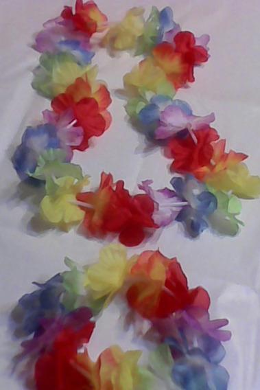 Collar Y Pulsera Con Flores Tipo Hawaiano-cotillón-unico Set
