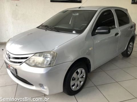 Toyota Etios X 1.3 2013 Prata