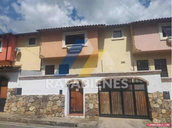Townhouses En Venta, Urb La Mata