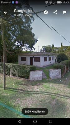 Casa 3 Ambientes, Dos Baños, Garage Para Dos Autos