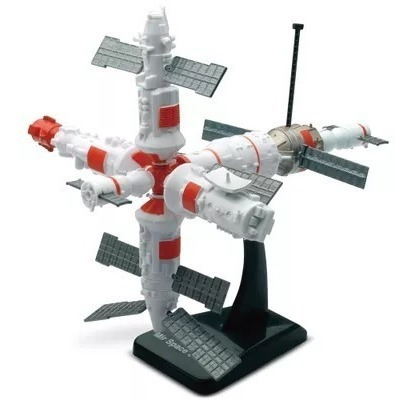 Kit Montar Space Adventure Model Kit Space Station - Dtc