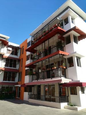 4to Nivel En Villa Aura, 2 Dormitorios