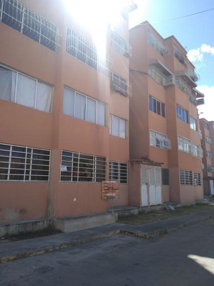 Maison Vende Apartamento En Cagua 04149436977