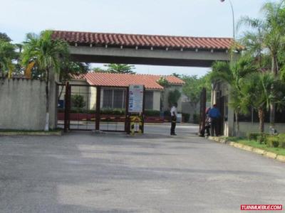 Townhouses En Venta 17-13370 Fncap