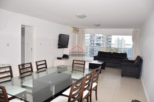 Apartamento En Brava, 3 Dormitorios *- Ref: 4808