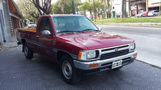 Toyota Hilux Cabina Simple Año 1994 Primera Mano Color Bordo