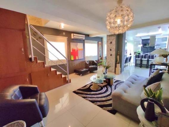 Apartamento Duplex En Venta Maracay El Bosque 20-24394 Gjg