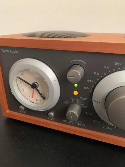 Radio Tivoli Audio Model Three Reloj Madera