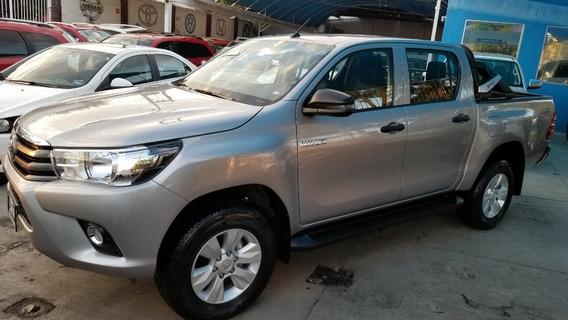 Toyota Hilux 2019 4x2 Doble Cabinasr Huele A Nueva Impecable